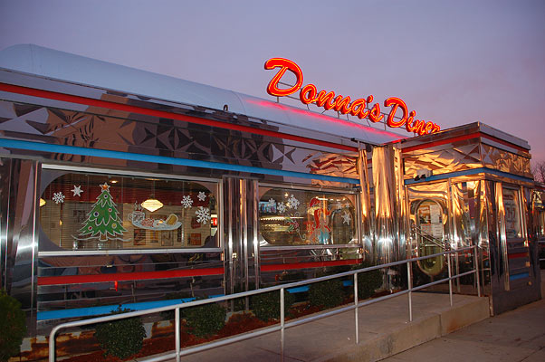 Donna 39 s diner old fashioned 50s diner food for breakfast for 50 s diner exterior